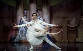 Luana Georg and Sergei Upkin in The Sleeping Beauty PDD