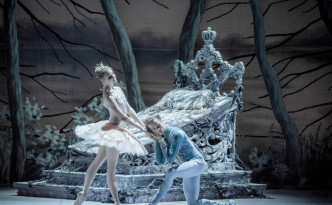Angelina Vorontsova and Leonid Sarafanov in act 2 The Sleeping Beauty