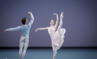 Evgenia Obraztsova and Semyon Chudin in Pas De Deux, music by Pyotr Tchaikovsky