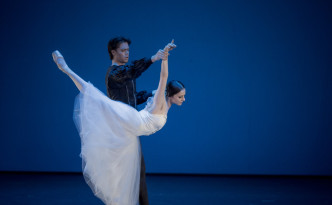 Elena Glurdjidze and Matthew Golding in Giselle