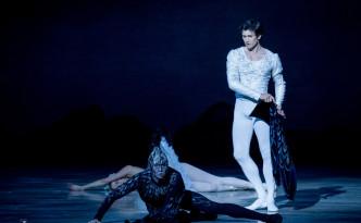 Alina Somova and Danila Korsuntsev in Swan Lake last act