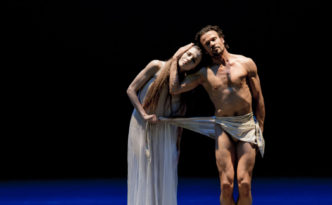 Anna Laudere and Carsten Jung in a duet from Othello