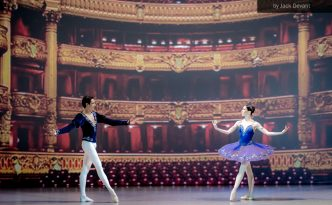 Viktoria Tereshkina and Timur Askerov in Grand Pas Classique