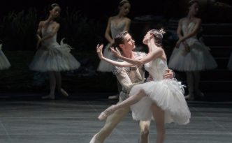 Viktorina Kapitonova as Odette and Alexander Jones in Swan Lake act 1 and 2