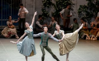 Giulia Tonelli, Galina Mihaylova and Wei Chen in Swan Lake PDT