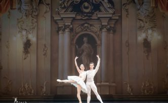 Yolanda Correa Frias and Marian Walter in Classical Pas de Deux