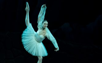 Julia Lukianenko in the Three Shades variation in La Bayadere