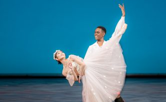 Maki Onuki and Andile Ndlovu in La Sylphide